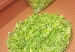 Foods-That-fight-Inflammation-Naturally-Kale-chips